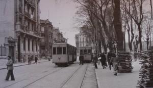 22.emile robin. tranvia. parque del muelle. gran hotel. 9 abril 1955 asc ramon calvo 300x174 Emile Robin, la calle más financiera de Asturias