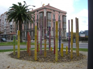 22.estatuas. 27 FOTO.ESTATUA ANABEL RAMON 300x225 Plantación de estatuas en Avilés