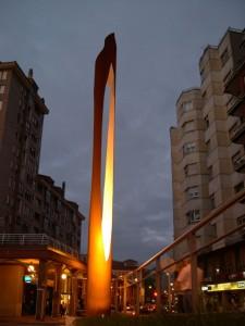 22.estatuas. Celebracion. Ignacio Bernardo 225x300 Plantación de estatuas en Avilés