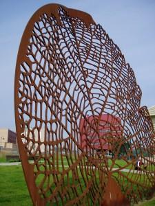 22.estatuas. Novella. Sol Naciente. parque Nodo. Alberto del Rio 225x300 Plantación de estatuas en Avilés