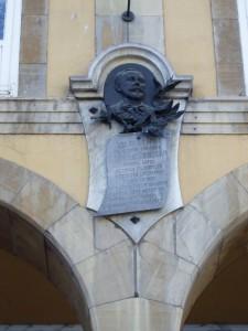 22.placa . Sanchez Calvo filosofo.P1190118 225x300 La aplacada villa de Avilés