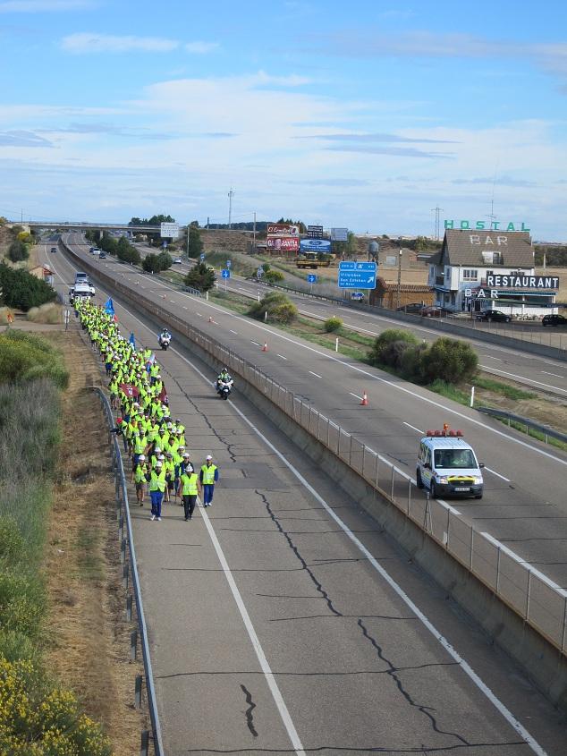 2La marcha negra se vuelve fosforita por los requerimientos de seguridad de la autopista Día 9. De Villalpando a Europa